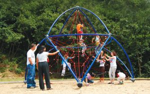 playground equipent supplier